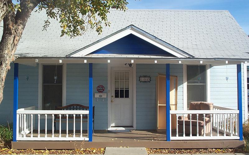 Arizona blue house
