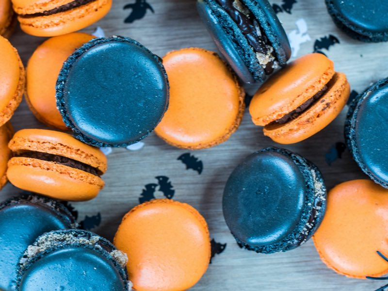 Dark blue and orange macaroons - Halloween theme