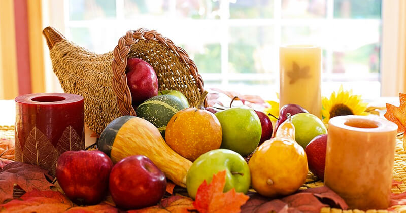 Thanksgiving color schemes and decoration ideas - Cover