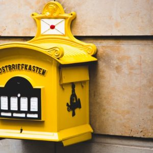 Yellow Postbriefkasten